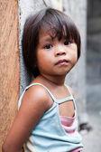 菲律宾-墙上的小女孩 — 图库照片