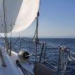 Italy, Sicily, Mediterranean sea, sicilian South-Eastern coast, cruising on a sailing boat — Stock Photo #12528006
