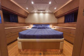 RIZZARDI 73HT luxury yacht, Vips bedroom — Stock Photo