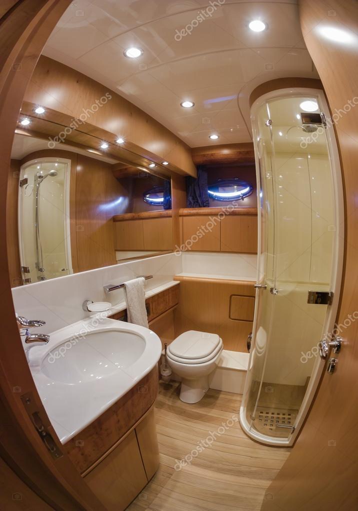 73ht de rizzardi yacht de luxe salle de bains principale for Salle de bain italienne de luxe