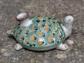 Italy, Sicily, small sicilian hand painted Caltagirone ceramic turtle — Stock Photo