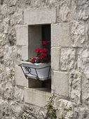 Italy, Sicily, Ragusa province, countryside, small window in a stone house — Stock Photo
