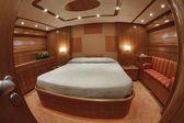 Master bedroom on luxury yacht RIZZARDI TEKNEMA 65 — Stock Photo