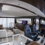 82' luxury yacht, aerial view — Stock Photo #24962187