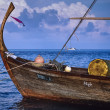 Typical maldivian wooden boat — Stock Photo #28038779