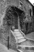 Italy, Tuscany, Pitigliano town, old stone house — Stock Photo