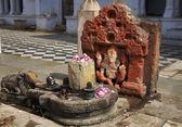 Small religious statue — Stock Photo