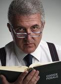 Portrait en studio avocat moyen age — Photo