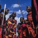 Kenya, Tsavo East National Park, Masai village, Masai men dancing — Stock Photo #32941201