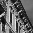 Old building facade near Piazza Venezia — Stock Photo