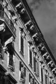 Old building facade near Piazza Venezia — Stock Photo