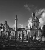 View of the Trajan Column and Santa Maria di Loreto Church — Stock Photo