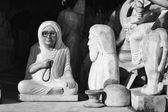 Estatuas religiosas en una tienda local — Foto de Stock