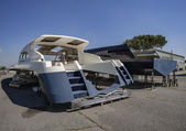 Luxury yacht under construction in a boatyard — 图库照片