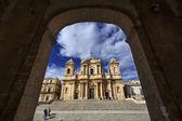 Italy, Sicily, Noto, S. Nicolò Cathedral baroque facade — Stock Photo