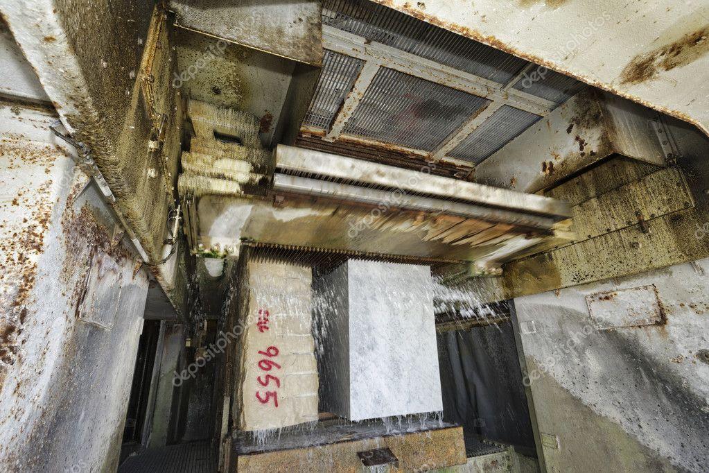 marmor schneiden fabrik stockfoto agiampiccolo 47603829. Black Bedroom Furniture Sets. Home Design Ideas