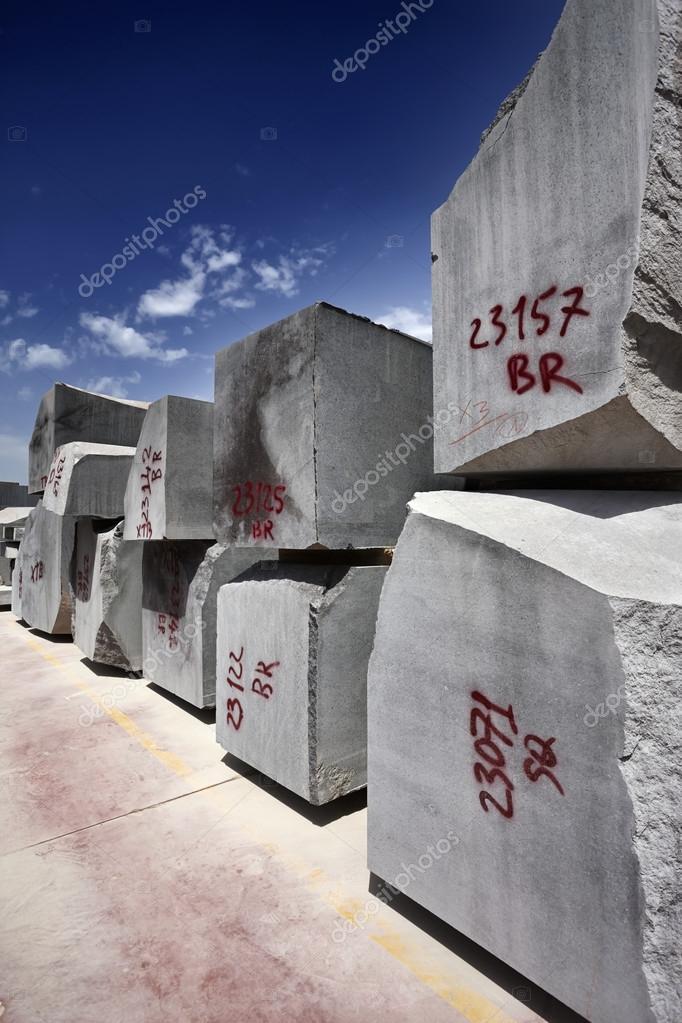 Skära marmor