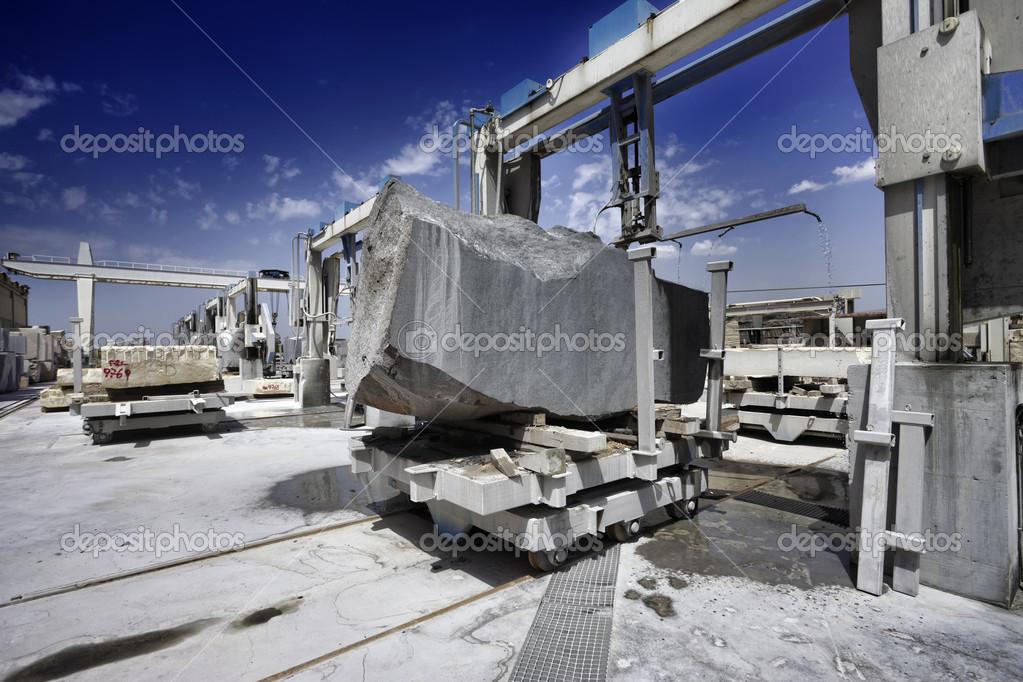 marmor schneiden fabrik stockfoto agiampiccolo 47604057. Black Bedroom Furniture Sets. Home Design Ideas
