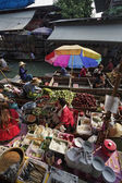 Tourists at the Floating Market — Stock Photo