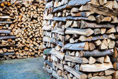 Chopped firewood stack. — Foto de Stock