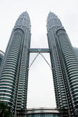 KUALA LUMPUR - DEC-31: View of The Petronas Twin Towers on DEC, — Stockfoto