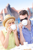 Young couple drinking coffee — Stock Photo