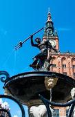 Fontein met een standbeeld van neptunus — Stockfoto