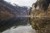 Very scenic fjord coast with clean and clear water — Stockfoto