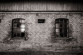 Grungy old barn windows — Stock Photo