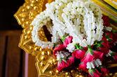 Garland of jasmine and rose flowers — Stock Photo