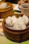 Steamed dumplings with shrimp and pork , Dim Sum — Stock Photo