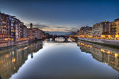 Florence seen from bridge Pontevecchio at sunset — Stock Photo