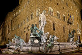 Neptune fountain by night : Florence Italy — 图库照片