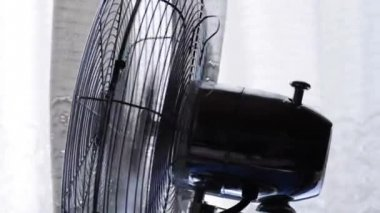 Running fan — Stockvideo