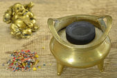 Chinese incense pot — Photo