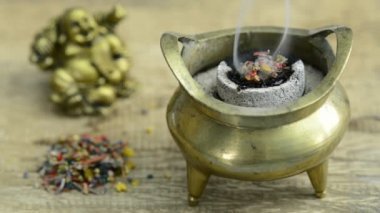 Fuming incense pot — Stock Video