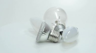 Light bulbs, new LED and old bulbs — Vídeo Stock