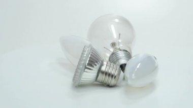 Light bulbs, new LED and old bulbs — Stock Video
