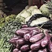 Eggplant at Market — Stock Photo