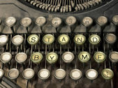 "Old typewriter, Have keys ""stand by me"" only. — ストック写真"