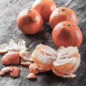 Fresh and juicy mandarin fruits — Stock Photo