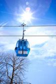 Cabane de ski ascenseur bleu — Photo