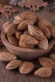 Not peeled almonds — Stock Photo