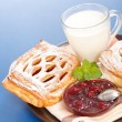 Sour cherry cake, jam and milk — Stok fotoğraf