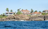 Houses along the coastline at Unawatuna, Sri Lanka — Stock Photo