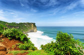 Coast at Uluwatu temple, Bali, Indonesia — Stock Photo