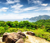 Tropical landscape. Phi-phi island, Thailand — Stock Photo