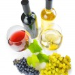 Red and white wine on white background — 图库照片