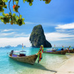 Thai boats on Phra Nang beach, Thailand — Stock Photo