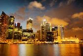 Wolkenkratzer in finanziellen bezirk von singapur — Stockfoto